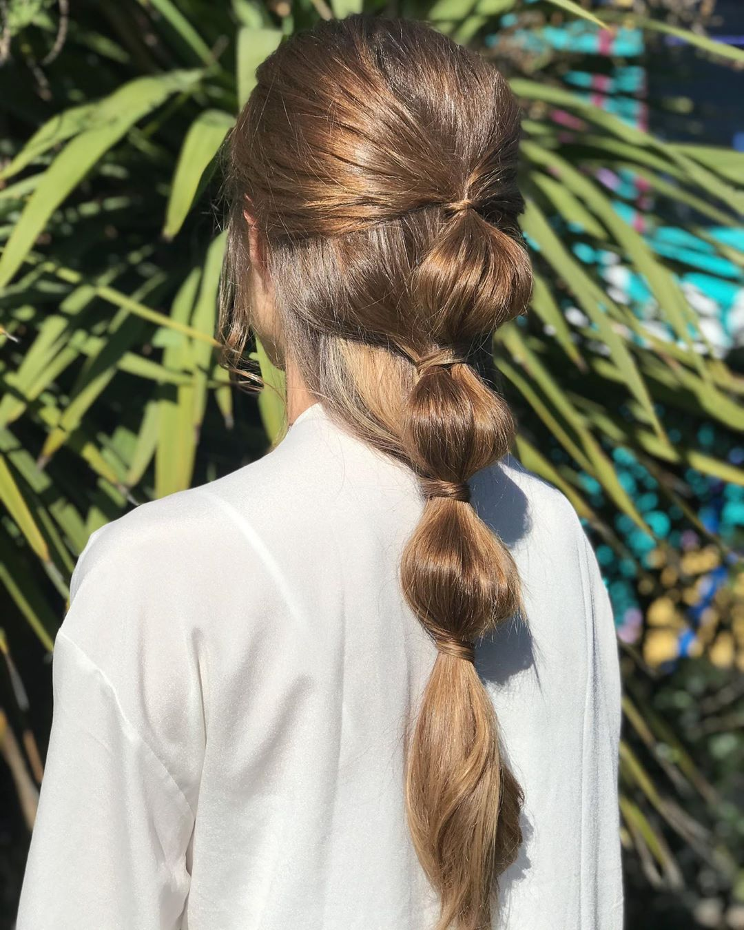 multiple bubble ponytail