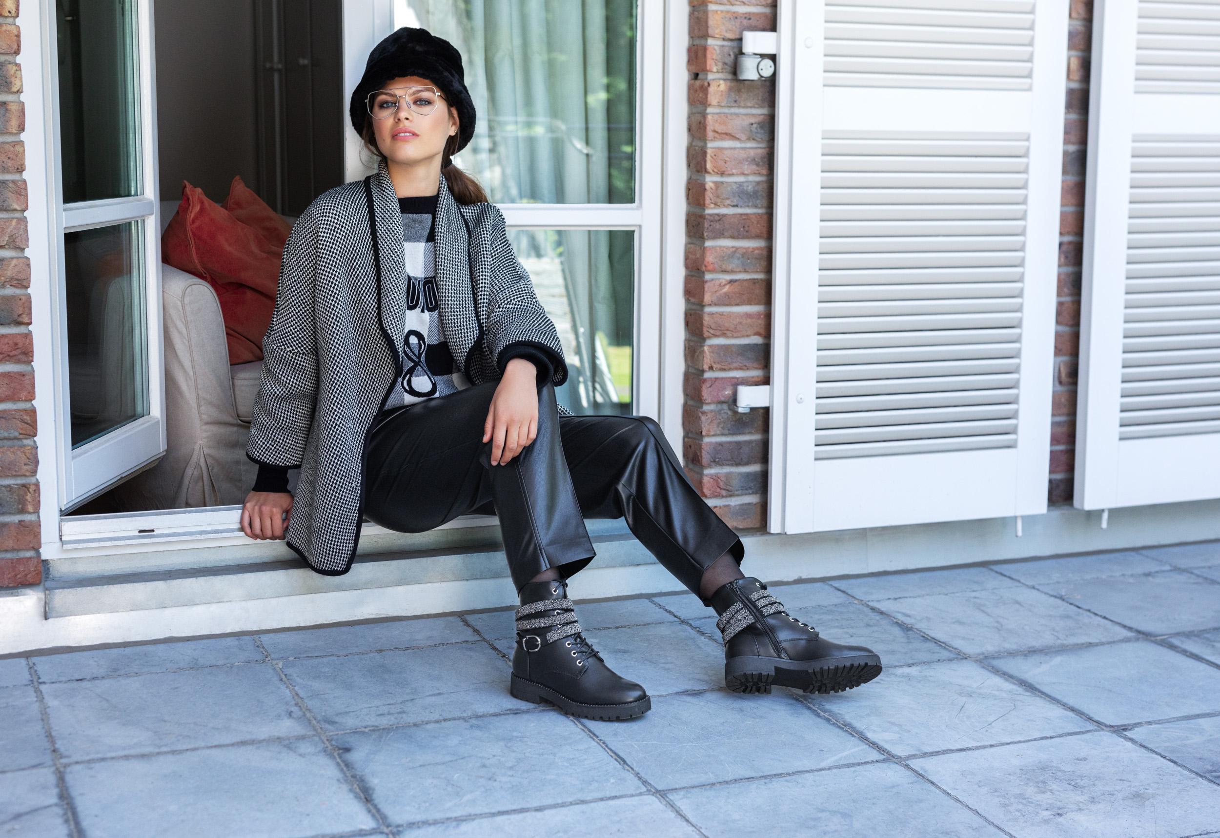 Stivaletto Catwalk nero con dettaglio glitterato, Deichmann