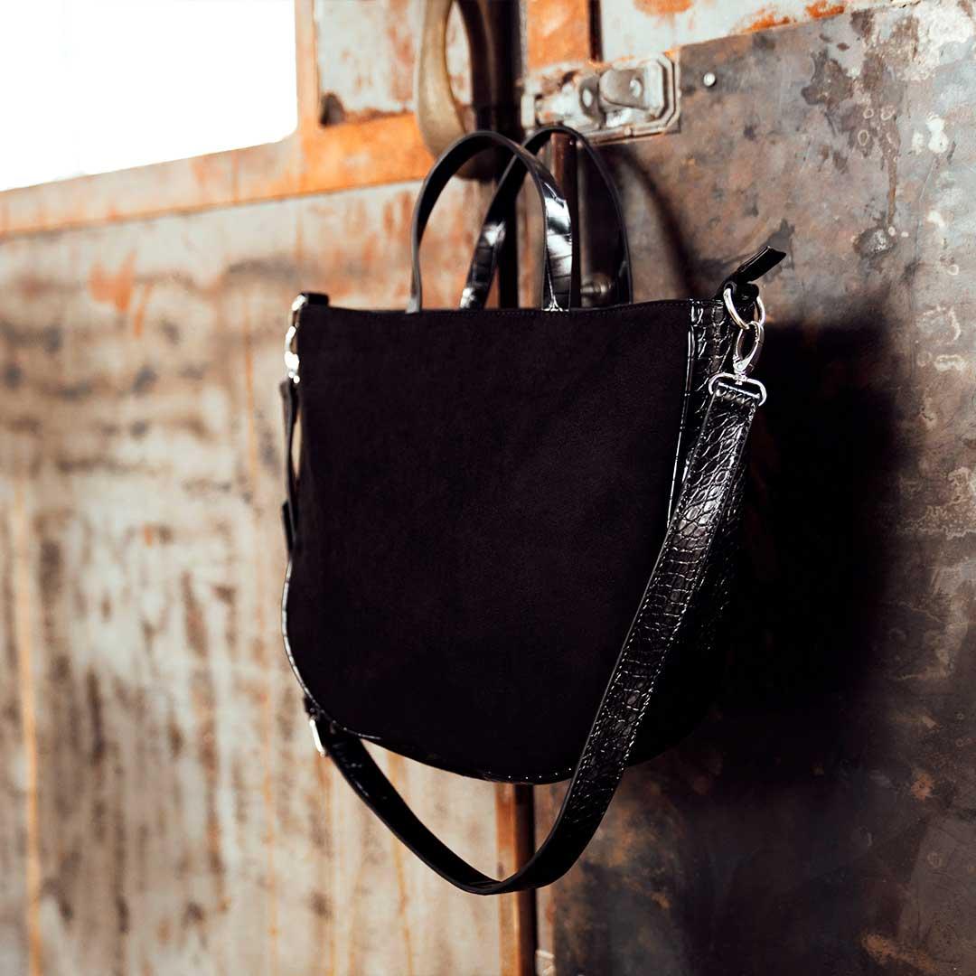 borse autunno, shopper in suede nera con dettaglio animalier