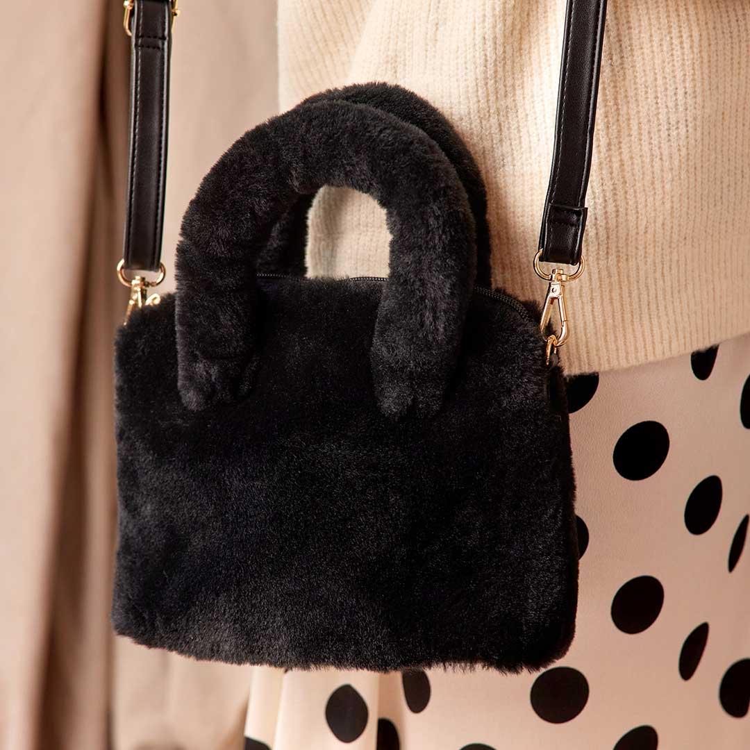 borse autunno, Mini bag in ecopelliccia con tracolla, Deichmann
