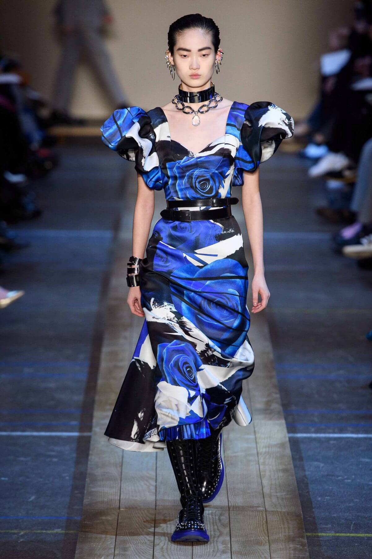 floreale in autunno - Alexander McQueen // Photo Credit Vogue.com