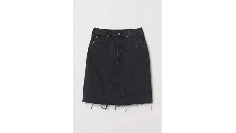 Denim skirt - gonna nera in denim con orlo sfrangiato, H&M