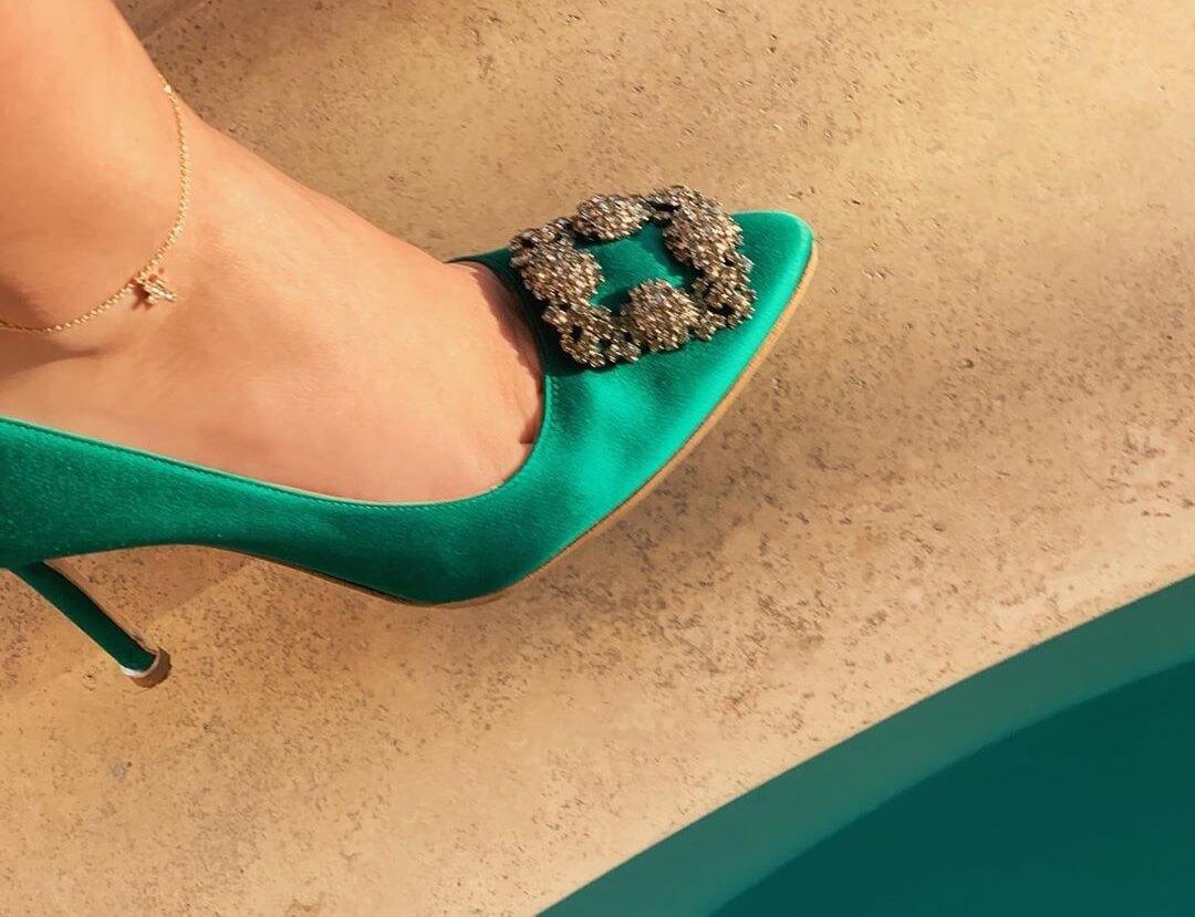 Cavigliere estive - cavigliera con catenina d'oro e ciondolo gioiello