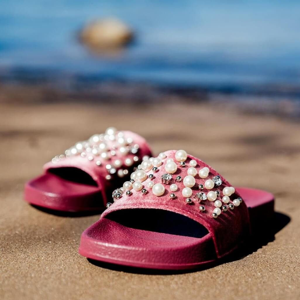 ciabatte estive fucsia con dettaglio perle