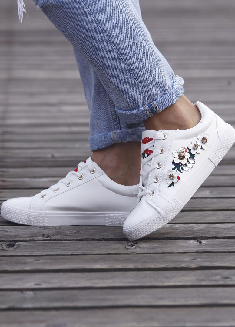 67eb5dcbb5a0 Kožená členková obuv Chelsea od mojej obľúbenej značky 5th Avenue vás očarí  nielen neobvyklou farbou
