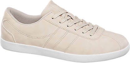 4a377d2a40be Zdroj foto  Nová módna kolekcia SS17 od značky Pietro Filipi  obuv DEICHMANN